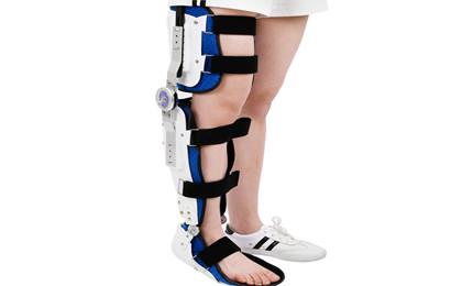 膝踝足支具